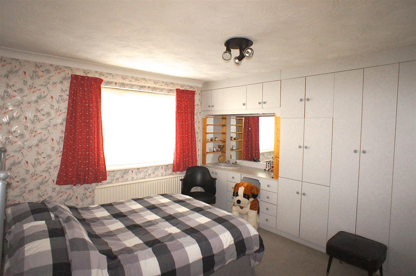 Bedroom 2 - left middle